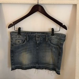 GUESS JEAN SKIRT ⭐️ Vintage Collection